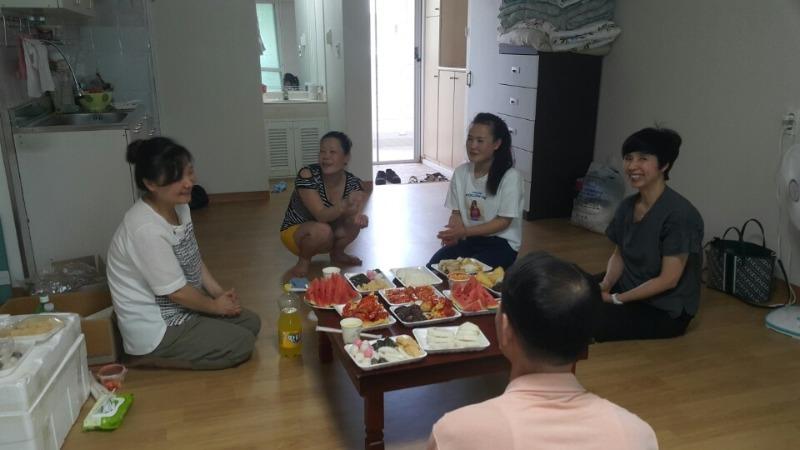 7.18일 하나센터 졸업생들 새집들이 봉사활동..jpg